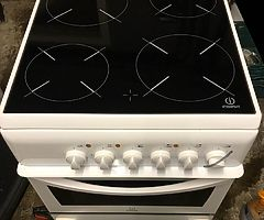 50cm Indesit Electric Cooker