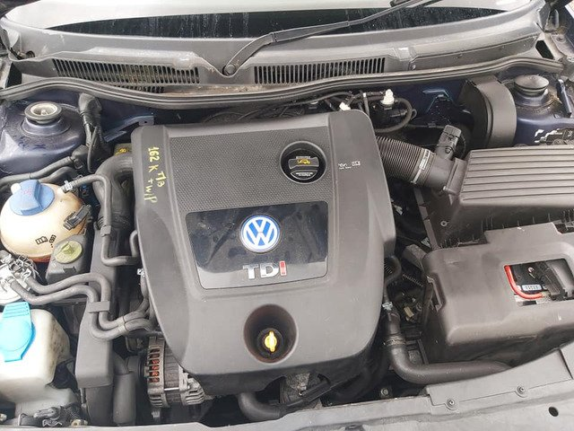 Volkswagen gold 1.9tdi all parts available - 2/5