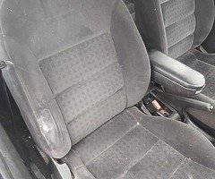 Volkswagen gold 1.9tdi all parts available - Image 3/5