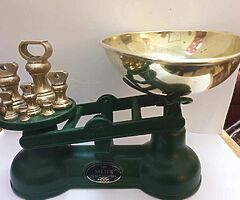 Original salters scales in green with original full set of brass bell weights bargain can deliver - Image 3/5