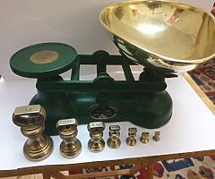 Original salters scales in green with original full set of brass bell weights bargain can deliver - Image 5/5