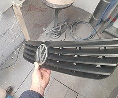 VW Passat grill 97-00 Waterford - Image 3/5