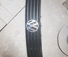 VW Passat grill 97-00 Waterford - Image 5/5