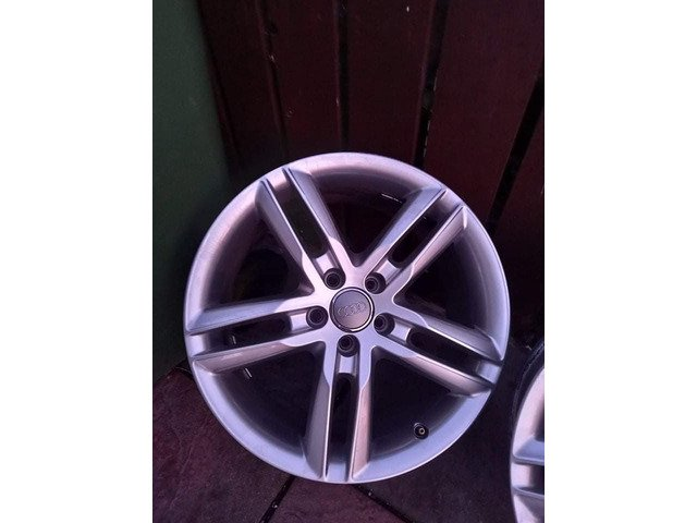 18 rs6 alloys  5x112 8j all no tyres  cheap set no crack  ör weld ' etc   and best offer  take - 1/10