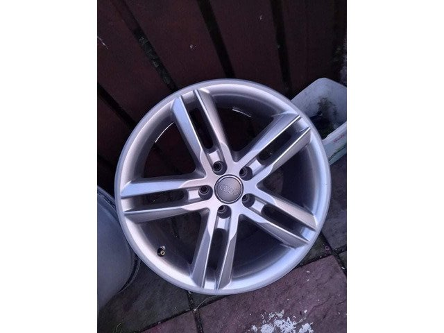 18 rs6 alloys  5x112 8j all no tyres  cheap set no crack  ör weld ' etc   and best offer  take - 4/10