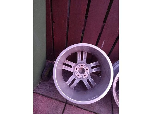 18 rs6 alloys  5x112 8j all no tyres  cheap set no crack  ör weld ' etc   and best offer  take - 6/10